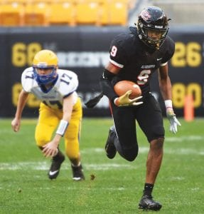 Aliquippa's M.J. Devonshire scored a touchdown against Derry in the Pennsylvania Class 3A championship game last season at Heinz Field. (Photo by Christopher Horner, courtesy Pittsburgh Tribune-Review/TribLive.com)