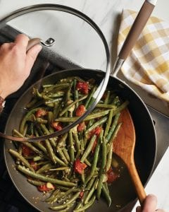 Long-Cooked Green Beans with Tomatoes and Garlic