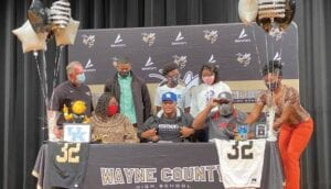 Georgia linebacker Trevin Wallace got some advice from former UK linebacker Jamin Davis that helped him decide to sign with the Wildcats last week. (Photo by Lyndsey Gough/WTOC-TV)